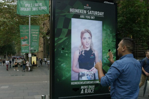 Live video streaming for free tickets to Heineken Saturday F1 event, JCDecaux Australia