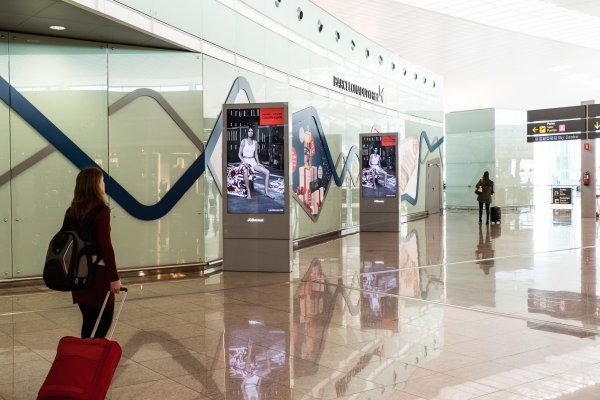#mycalvins JCDecaux OneWorld campaign, 1 day rollout, Barcelona Airport