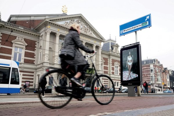 #mycalvins JCDecaux OneWorld campaign, 1 day rollout, Amsterdam