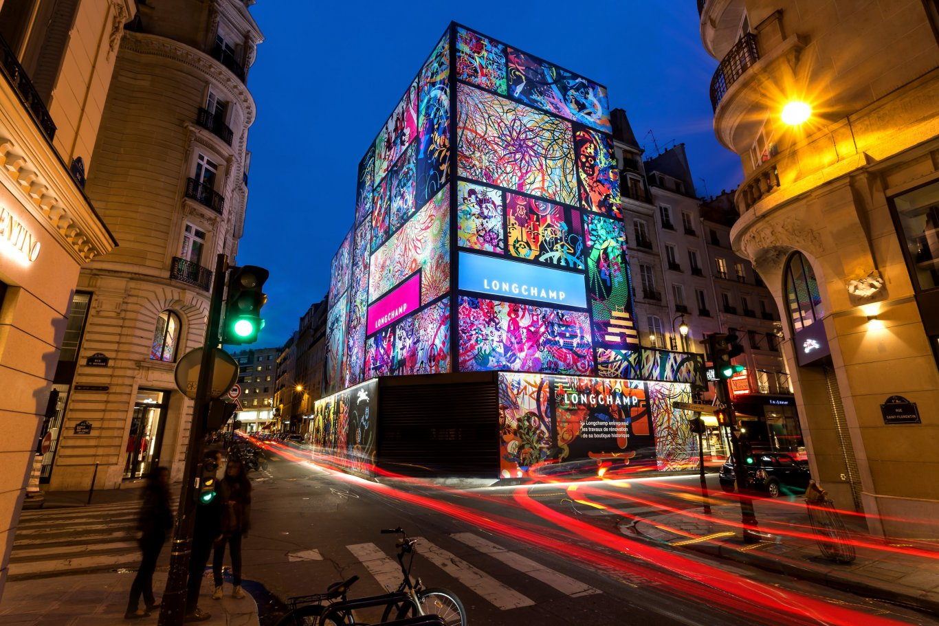 LongChamp scaffold domination in France, JCDecaux France, 2016