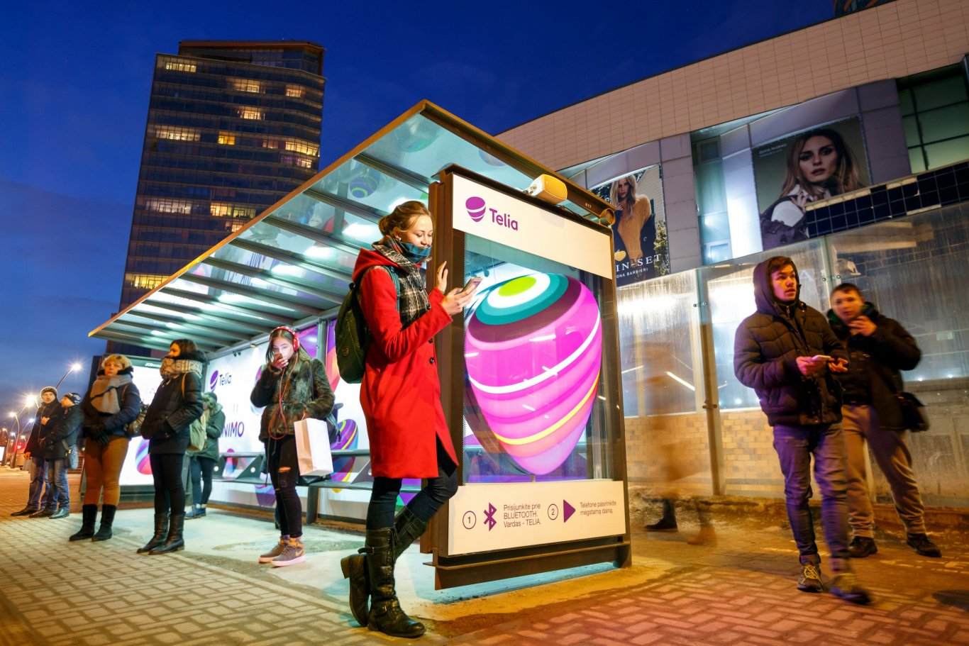 Telia Company lets you play your music through a bus shelter, JCDecaux Lithuania Feb 2017