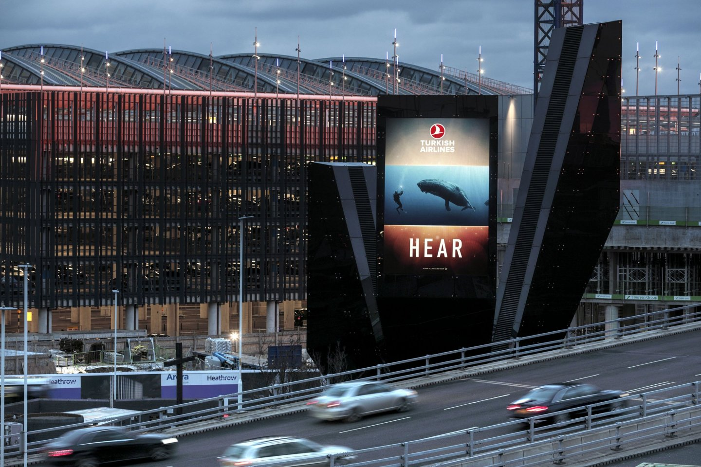 10 Reasons Why Airport Advertising Works, Turksih Airlines campaign, Heathrow Airport